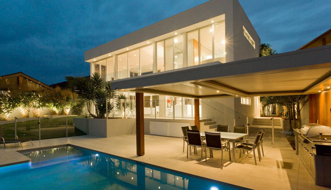 Beach house pool villa
